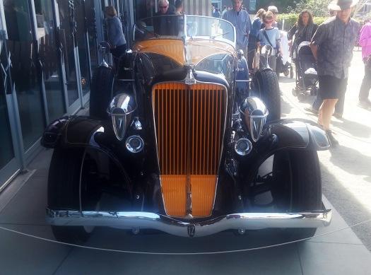 1932 Auburn 12-160A Speedster (a)